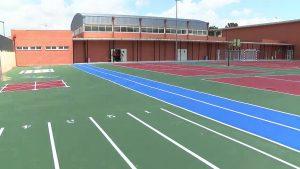 El colegio público San José de Calasanz de Bigastro estrena un patio más moderno y accesible
