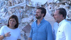 Pablo Casado visita Orihuela tras la gota fría y reclama la urgencia de las ayudas