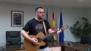 La canción solidaria Fuerza Vega Baja recibe 1.000 euros donados por el ayuntamiento de Rafal