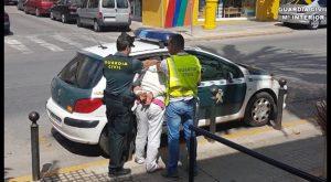La Guardia Civil detiene en Crevillente y en Torrevieja a tres personas por hurtos en vehículos