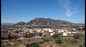 La Concejalía de Fomento acondiciona el paseo peatonal del cinturón de la sierra de Orihuela