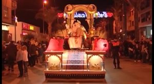 Melchor, Gaspar y Baltasar reparten ilusión en toda la Vega Baja