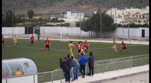 El Albatera venció por 1-2 en el derbi comarcal frente al Cox