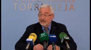 El equipo de gobierno adeuda más de 115.000 euros en horas extras
