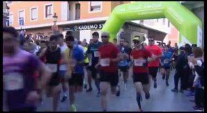 Más de 400 corredores participan en el II Cross urbano solidario