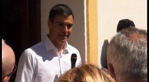 Pedro Sánchez pasa por Orihuela para visitar la casa museo de Miguel Hernández