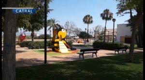 Finaliza la reforma integran llevada a cabo en el parque Juan Pablo II de Catral