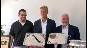 El joven tenista torrevejense Nicola Kuhn ha sido recibido hoy en Torrevieja