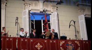 La Enseña del Oriol original se exhibe por última vez ante los oriolanos