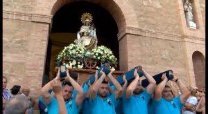 La Virgen del Carmen surca las aguas torrevejenses un año más
