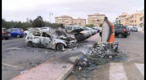 Un incendio de contenedores provoca siniestro total de 2 vehículos en La Mata