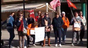 Continua la huelga de las limpiadoras de edificios municipales en Albatera