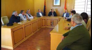 El alcalde de Benferri firma un manifiesto de apoyo a los regantes