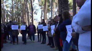 Dos colegios de Orihuela protestan por verse afectados por la falta de un Educador Especial