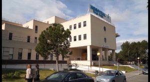 La falta de personal en el Hospital comarcal enfrenta a PP y PSOE