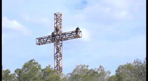 La Cruz de la Muela ilumina a la Vega Baja