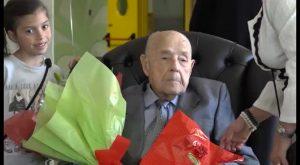 La clave de cumplir 100 años para José Baeza son fruto de una vida muy activa