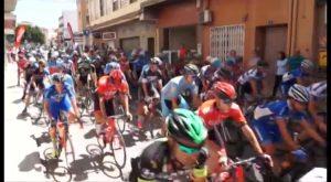 Pilar de la Horadada, salida de la tercera y última etapa en la 33º Vuelta Ciclista a Alicante