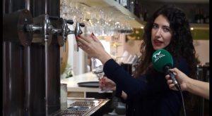 La chef oriolana Davinia Martínez es la mejor tiradora de cerveza de España y la segunda del Mundo