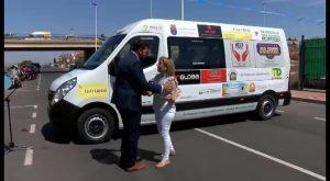 Un microbus para trasladar a los enfermos de alzheimer de la comarca