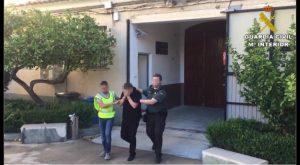 Detenidos en Callosa dos agentes de seguros por la presunta estafa de 570.000 euros a sus clientes