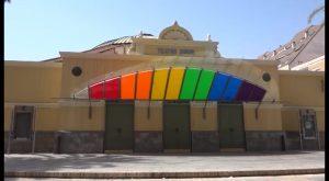 Orihuela amanece teñida de los colores del arcoíris pero solo por unas horas