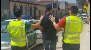 La Guardia Civil detiene en Jacarilla al gestor de una compañía de seguros por presunta estafa