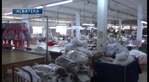 El diseñador Francis Montesinos escoge a una empresa de Albatera para elaborar su colección infantil