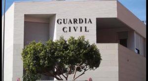 La Guardia Civil detiene a cinco personas en Almoradí y desmantela tres narcopisos