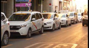 Orihuela se suma a la huelga de taxis ofreciendo solo servicios mínimos
