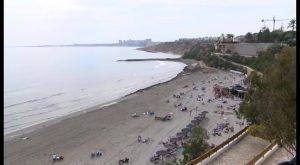 Las playas de Orihuela vuelven a tener chiringuitos y hamacas a partir de la próxima semana