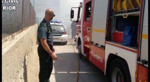 La Guardia Civil rescata a dos ancianos tras un incendio en Benejúzar