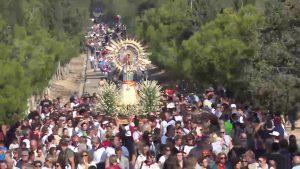 Más de 60 mil romeros acompañan a la Pilarica de Benejúzar en su día grande
