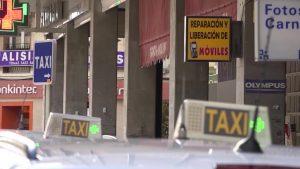 Transporte informa a las asociaciones de taxistas sobre las pruebas de capacitación