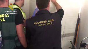 La Guardia Civil desarticula en la Vega Baja una organización que distribuía droga por encargo