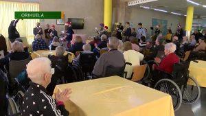 Visita navideña a los mayores de Orihuela