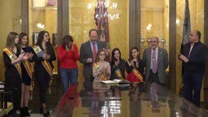 El Ayuntamiento de Orihuela recibe a las Reinas y Damas de Honor 2018 del municipio