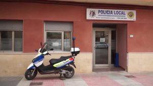 La Policía Local de Catral se forma en la realización de controles de drogas a conductores