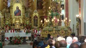 Los vecinos de Catral rinden tributo a Santa Águeda