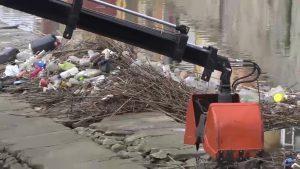 La Vega Baja le planta cara a la guerra del plástico