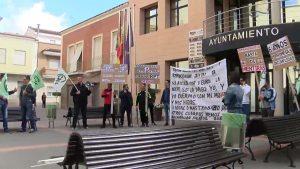 Protesta sindical en Catral por la falta de la relación de puestos de trabajo municipales