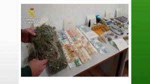 La Guardia Civil cierra diez asociaciones cannábicas en Torrevieja