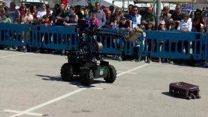 La Guardia Civil de Alicante se exhibe en Orihuela Costa