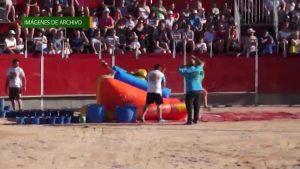 Más de 2.000 personas llenan el recinto taurino de Benejúzar para disfrutar del Grand Prix