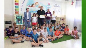Una alcachofa de «agua» gana el concurso escolar de dibujo de la Vega Baja