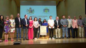 Los Moros y Cristianos de Orihuela presentan su Revista y desvelan el cartel de las fiestas