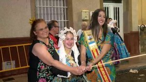 La «cremá» pone el broche final a las fiestas de la Hoguera Molinos del Calvario