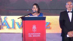 Guardamar inicia sus fiestas con un emotivo pregón glosado por la periodista Yolanda Álvarez
