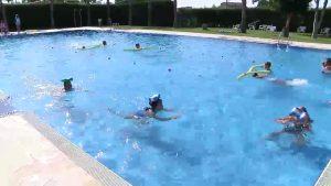 El gran número de incidencias en piscinas y playas incentivan la demanda de cursos de natación