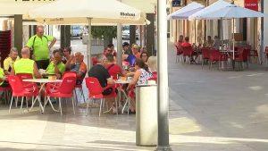 Sanidad pretende restringir el consumo de tabaco en terrazas al aire libre